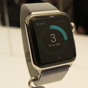 apple-watch-1418297538-ufq5-column-width-inline-1421343746-fDBh-column-width-inline.JPG