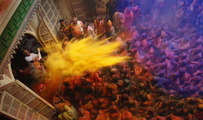 Holi-2017-Live-online-from-Barsana-Mathura-and-Vrindavan.jpg